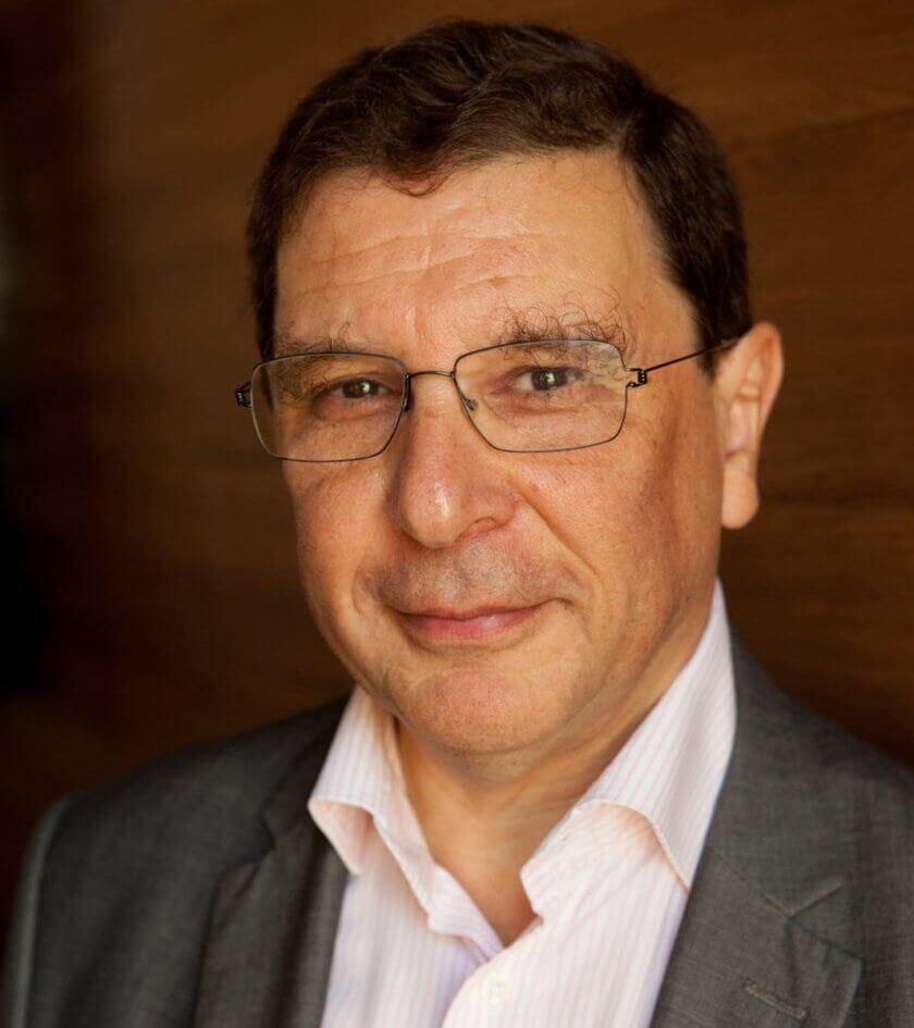 Francis Weill, president de l'hopital suisse de paris, issy les moulineaux